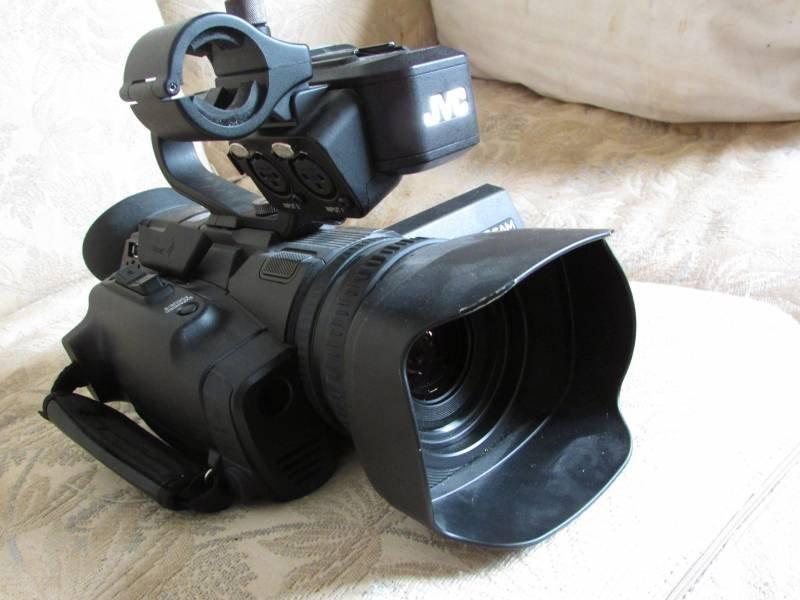 Videocámara profesional JVC 4K stream, vista 1