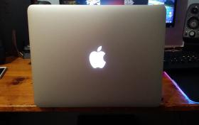 MacBook Pro + Accesorios., referencia: 96-elec