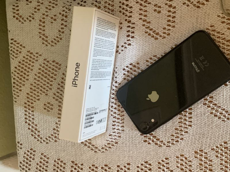 iPhone 10 XR 64 Gb, vista 2