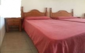 Cama,cabeceros y mesas de noche, referencia: 130-ho