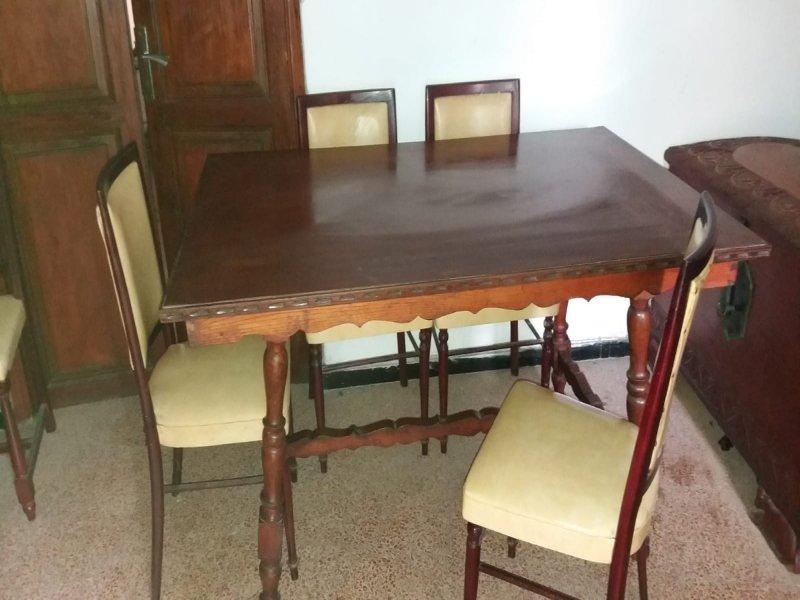 Mesa de comedor, vista 1