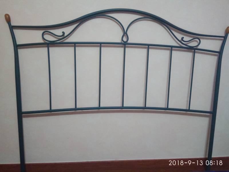 Cabecero forja cama 150, vista 1