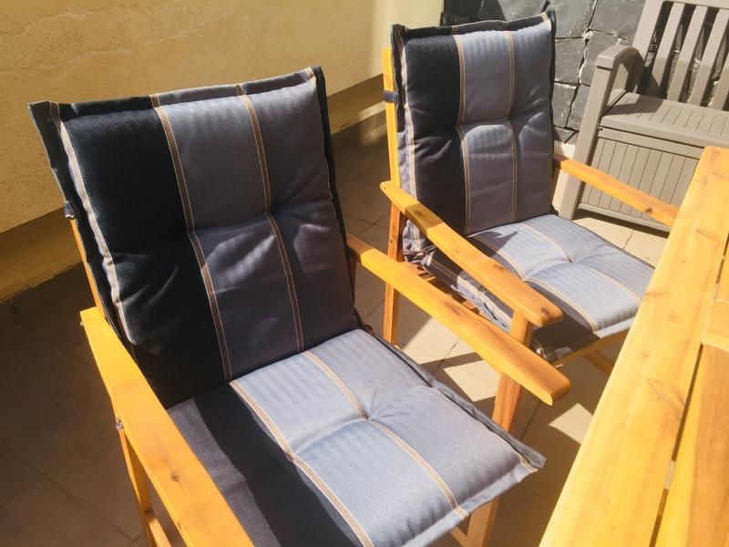 Mesa y sillas exterior, vista 3