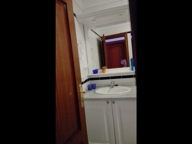 Mueble baño con espejo, vista 1