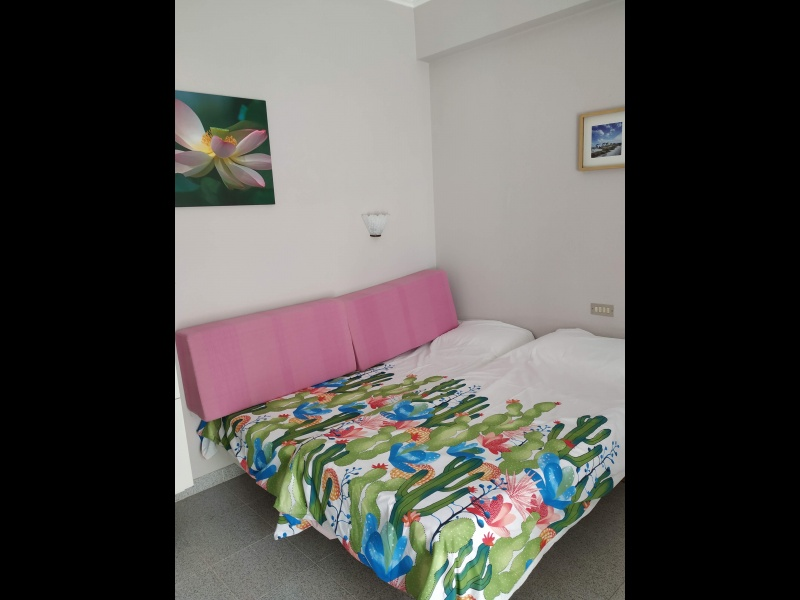 Camas de 90 con somier y colchón, vista 1