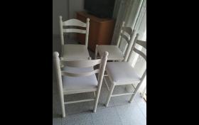 Mesa blanca y 4 sillas blancas de segunda mano, referencia: 690-ho