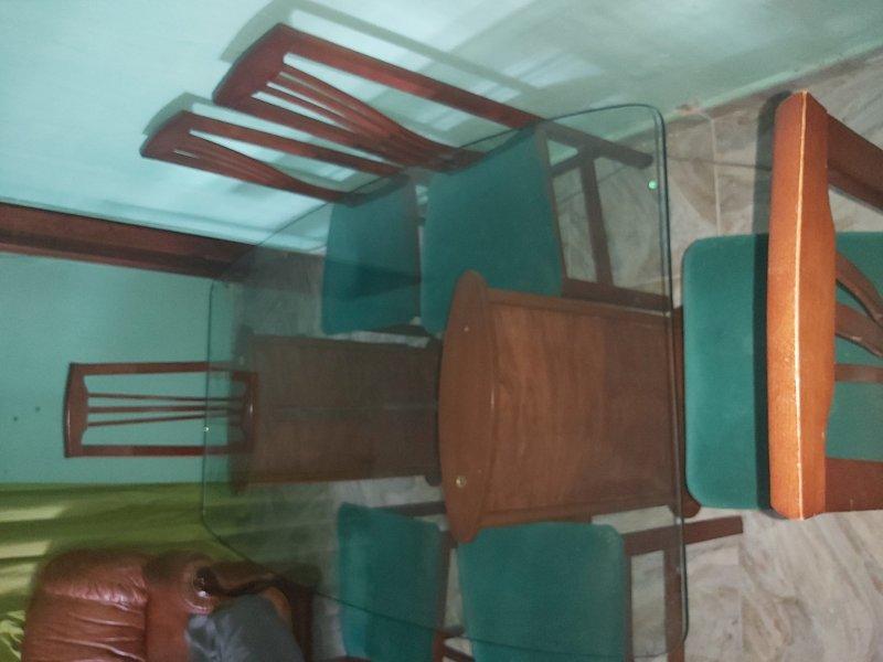 Mesa comedor con 6 sillas, vista 1
