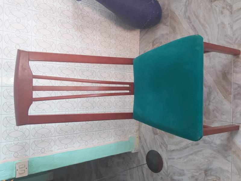 Mesa comedor con 6 sillas, vista 2