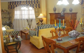 Ver las fotos y detalles, adosado en esquina de  en Los Realejos, Tenerife. ref.: 1276-v-ae