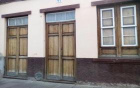 casa terrera en Puerto de la Cruz con 8 dormitorios