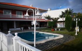 chalet en Puerto de la Cruz con 5 dormitorios