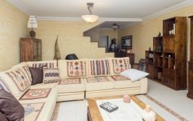adosado en El Rosario con 4 dormitorios