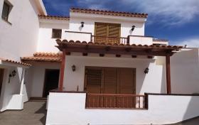 adosado en El Rosario con 3 dormitorios