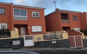 Ver las fotos y detalles, de adosado en Icod de los Vinos, Tenerife. ref.: 943-v-ad