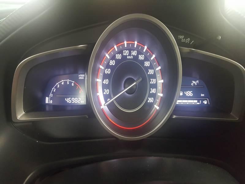 Mazda 3 1.5 100cv 2015, vista 4