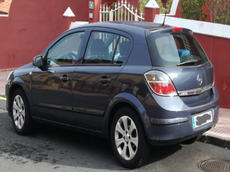 Opel astra 5 puertas 2007, vista 2