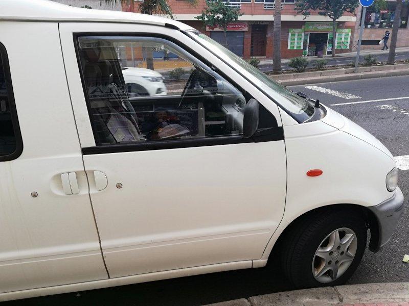 Nissan vanette, vista 4