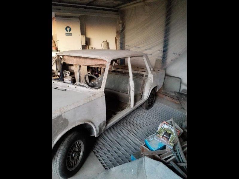 FIAT 125 + motor y repuestos, vista 3
