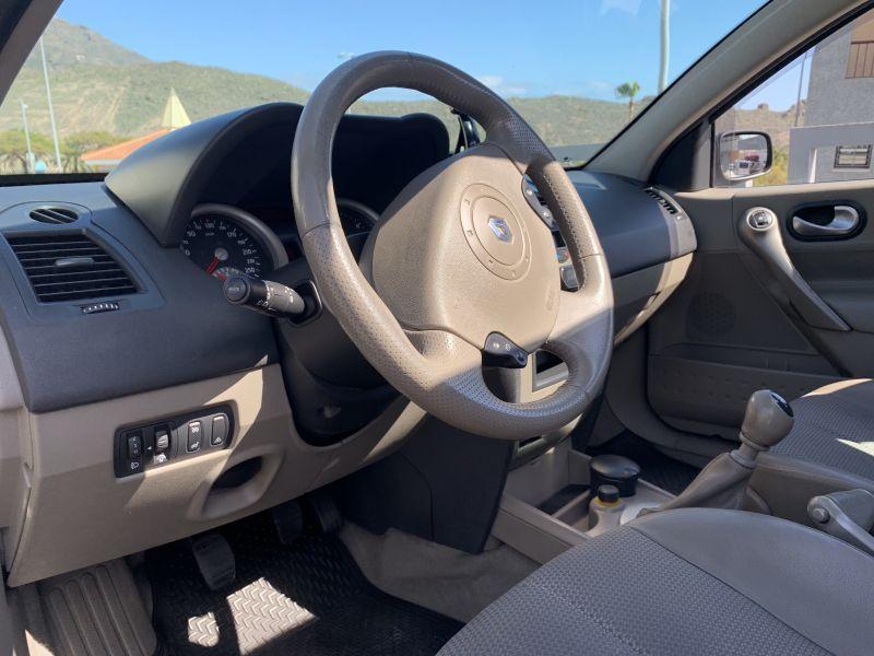 Renault Megane Sedan Luxe Privilege 1.900 D. 135 C, vista 6