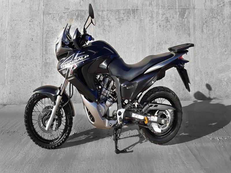 Honda Transalp XL 700 V, vista 2