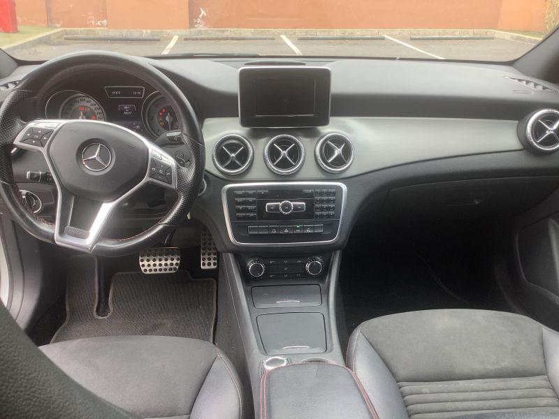 Mercedes Benz, Cla 220 DCT7g amg line, vista 4